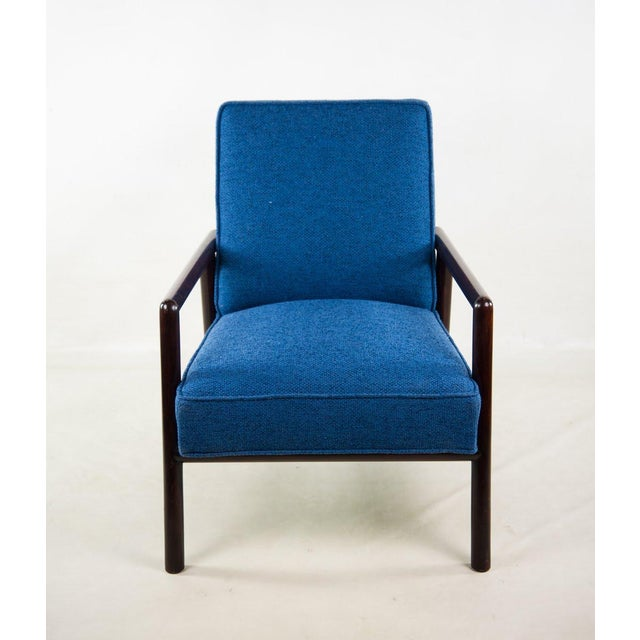 Grab a martini and kick back in this pristine 1950's Mid-Century Modern blue lounge chair designed by Jens Risom for...