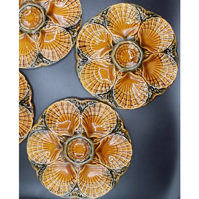 De Sarreguemines 1930s French Sarreguemines Scallop Shell Oyster Plates - Set of 4 For Sale - Image 4 of 7