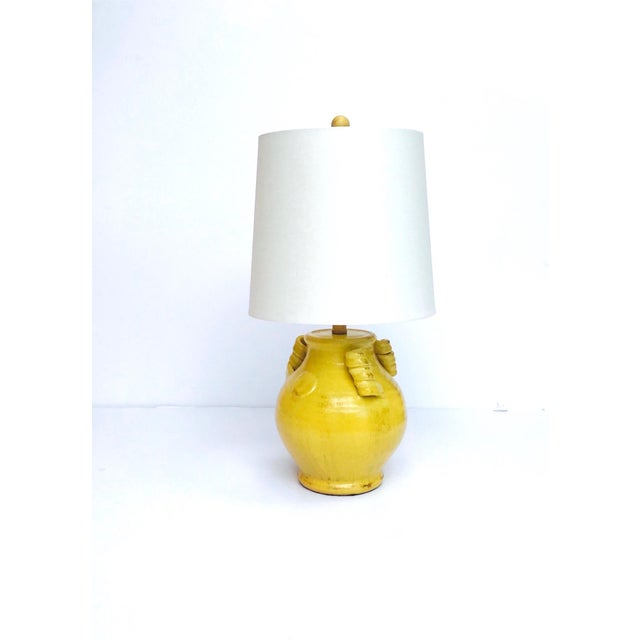 1970s Pair of Elegant Chinese Pottery Lamps in Antique Yellow Glaze For Sale - Image 5 of 12