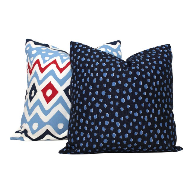 "Contemporary 20"" x 20"" Navy Fauna Spotted Pillow Cover For Sale - Image 3 of 4"