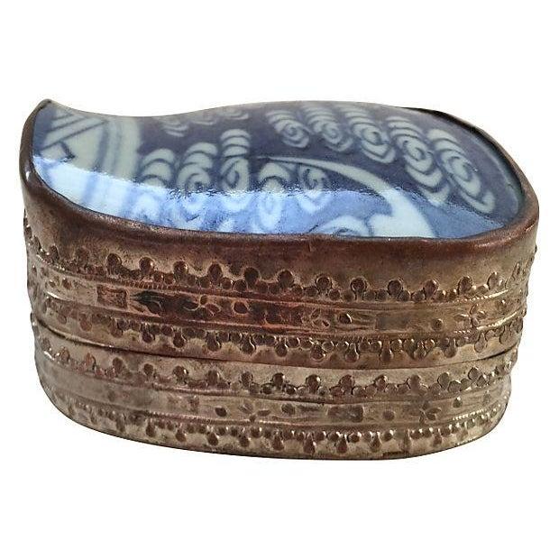 Asian Blue & White Porcelain Silver Metal Trinket Box For Sale - Image 4 of 6