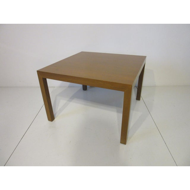 Mid 20th Century Edward Wormley for Dunbar Walnut Lamp / Side Table For Sale - Image 5 of 9