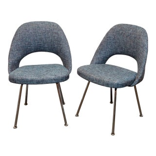 Pair of Knoll Executive Chairs by Eero Saarinen For Sale