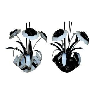 1 Vintage Modern Black & White Acrylic Flowers Floral Sculpture For Sale