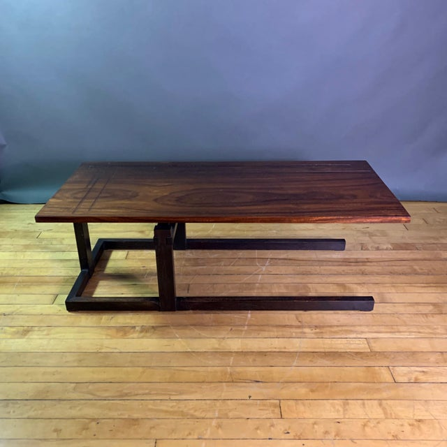 Thomas Swift Studio Teak and Lacquered Coffee Table, Usa 1980s For Sale - Image 4 of 10