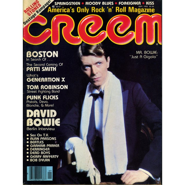 This is a vintage Creem Magazine featuring a rare sought after Bowie cover. It is in very good to excellent condition for...