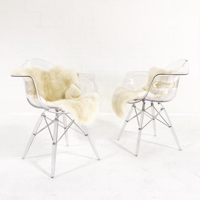 Animal Skin Mid-Century Style Lucite Chairs with Ivory Brazilian Sheepskin Throws - Pair For Sale - Image 7 of 7