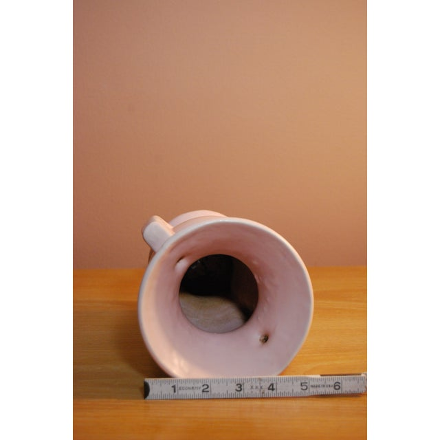 1940's McCoy Peach Pink 2-Handled Pottery Vase - Image 6 of 7