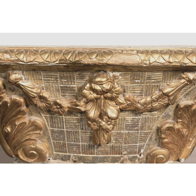 Giltwood 18th Century French Louis XVI Period Carved Giltwood Alter Pedestal For Sale - Image 7 of 10