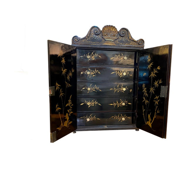 Chinoiserie 19th Century Black and Gold Chinoiserie Chest For Sale - Image 3 of 8