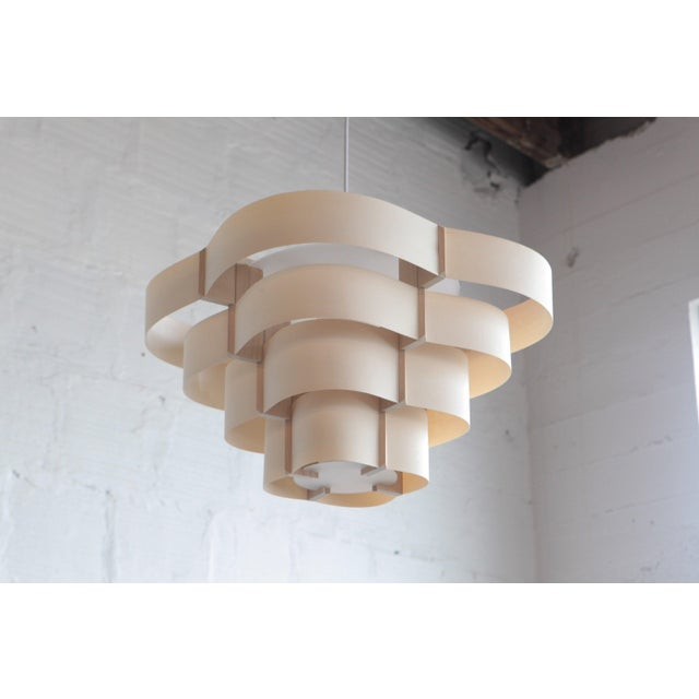 Harry Weitzer is an artist living in the NW who champions simple lighting design using wood. Having studied at Black...