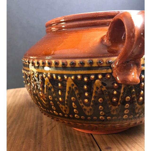 Fey Pottery Platteville Colorado Red Terra Cotta Clay Patterned Serving Bowl With Lid For Sale - Image 4 of 8
