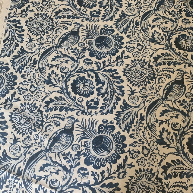 Clarence House Delft Handprint Linen Fabric- 6 Yards For Sale In New York - Image 6 of 6