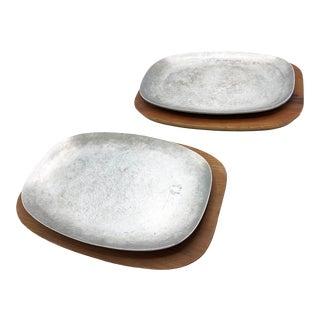 Mid-Century Modern Ac Fabricators Aluminum and Wood Steak Platters - 4 Pieces For Sale