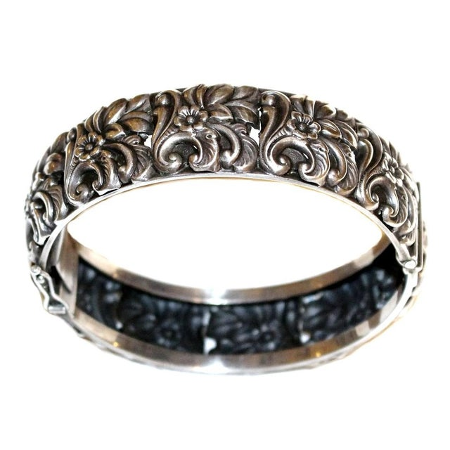1950s 1950s Sterling Silver Floral Repoussé Hinged Bangle For Sale - Image 5 of 7