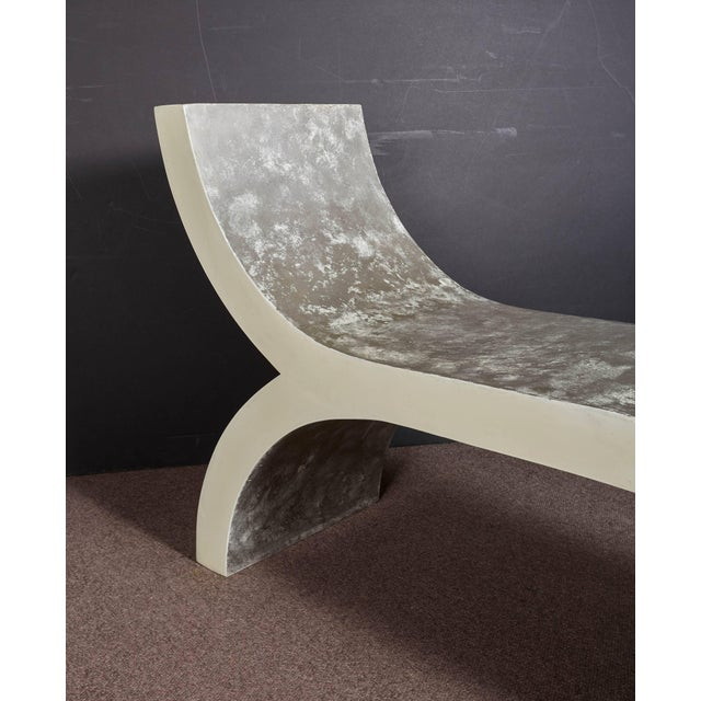 Platinum Mid-Century Modern White Lacquered Sculptural Chaise Lounge For Sale - Image 8 of 10