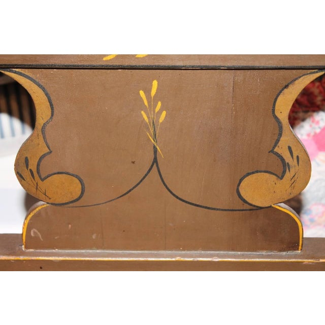 Finely Decorated and Painted 19th Century Settle Bench from Pennsylvania For Sale In Los Angeles - Image 6 of 10