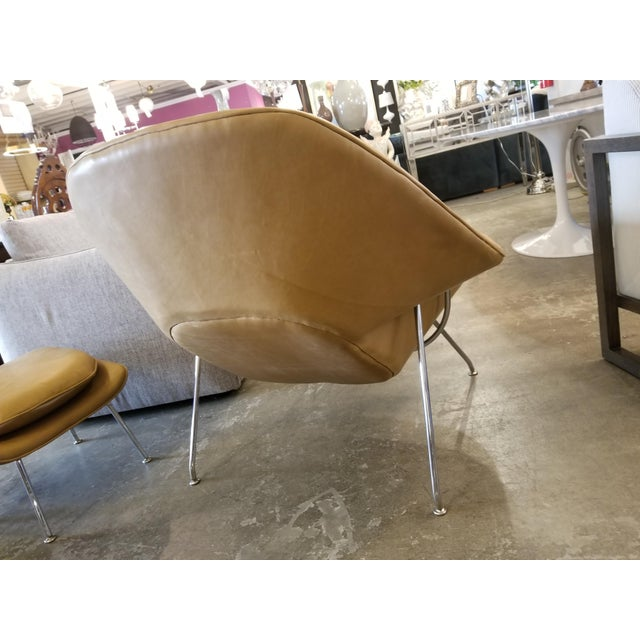 Saarinen Tan Leather Womb Chair & Ottoman For Sale In Los Angeles - Image 6 of 11