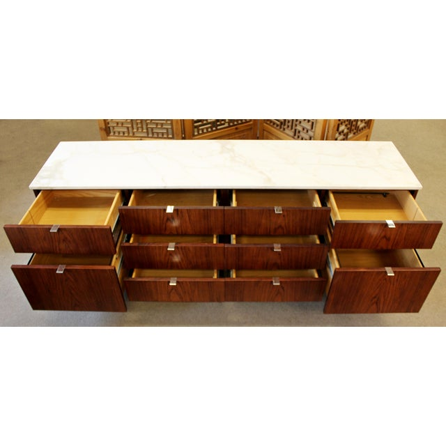Brown Mid-Century Modern Florence Knoll for Knoll Int. Rosewood Marble Credenza, 1960s For Sale - Image 8 of 12