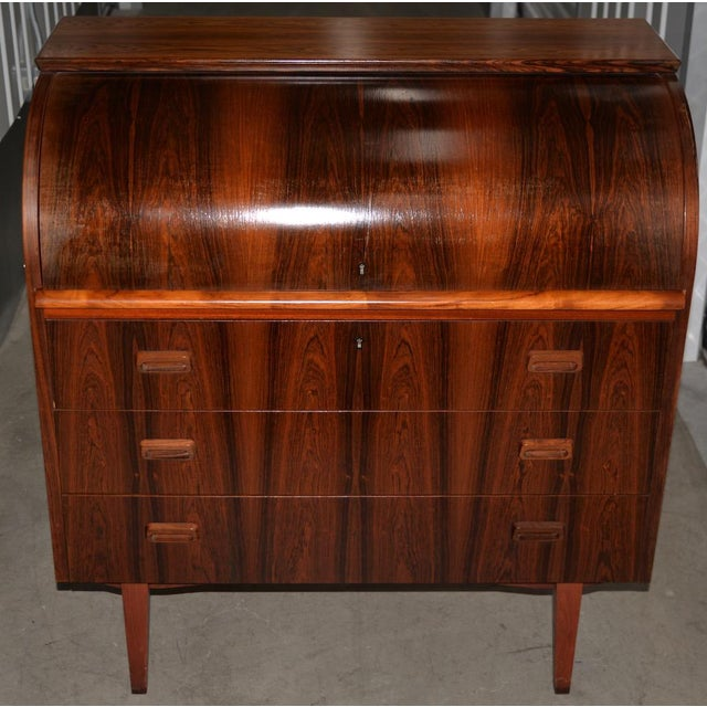Brown Danish Mid Century Modern Rosewood Cylinder Desk C.1960s Made in Sweden by Ostergaard For Sale - Image 8 of 8