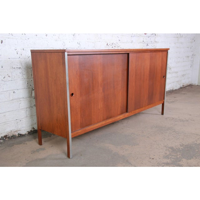 Contemporary Paul McCobb for Calvin Linear Group Walnut Sideboard Credenza For Sale - Image 3 of 12
