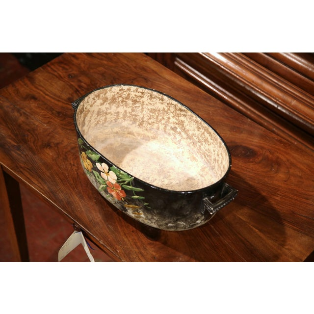 Early 20th Century French Handpainted Jardiniere from Montigny sur Loing For Sale - Image 5 of 9