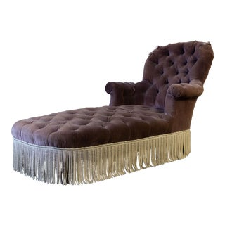 Tufted 19th Century Chaise in Purple Velvet For Sale