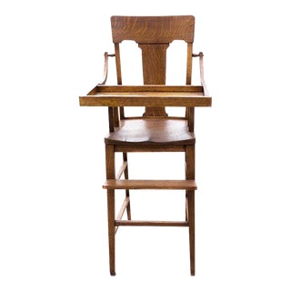 Antique Craftsman Highchair in Oak, C., 1920