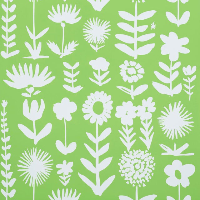 Early 21st Century Schumacher X Vera Neumann Wild Things Wallpaper in Leaf For Sale - Image 5 of 5