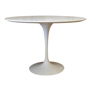 Original Eero Saarinen Round Antique White Laminated Tulip Dining Table Knoll For Sale