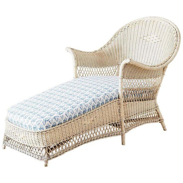 Early 20th Century Vintage Painted Bar Harbor Willow and Wicker Chaise Lounge For Sale - Image 13 of 13