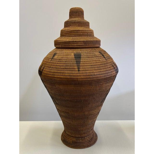 1970s Vintage Urn Shaped Lidded Hand Woven Fiber Basket For Sale - Image 5 of 10