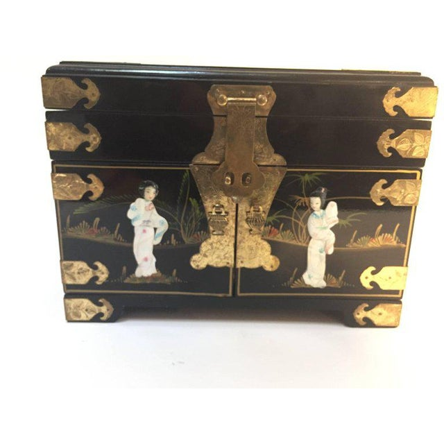 Black Lacquered Chinese Jewelry Box With Mother-Of-Pearl Overlay For Sale - Image 10 of 10