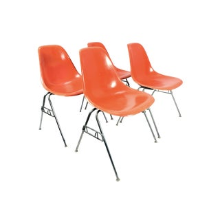 1950s Vintage Charles Eames for Herman Miller Dss Orange Fiberglass Stacking Chairs - Set of 4 For Sale