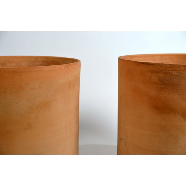 Gainey Pottery Large Unglazed Architectural Terracotta Planters by Gainey Ceramics - a Pair For Sale - Image 4 of 10