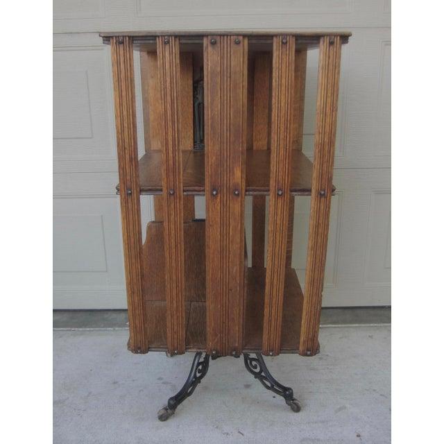 1900 - 1909 1900s Mid-Century Modern Revolving Swivel Rotating Oak Barrister For Sale - Image 5 of 12