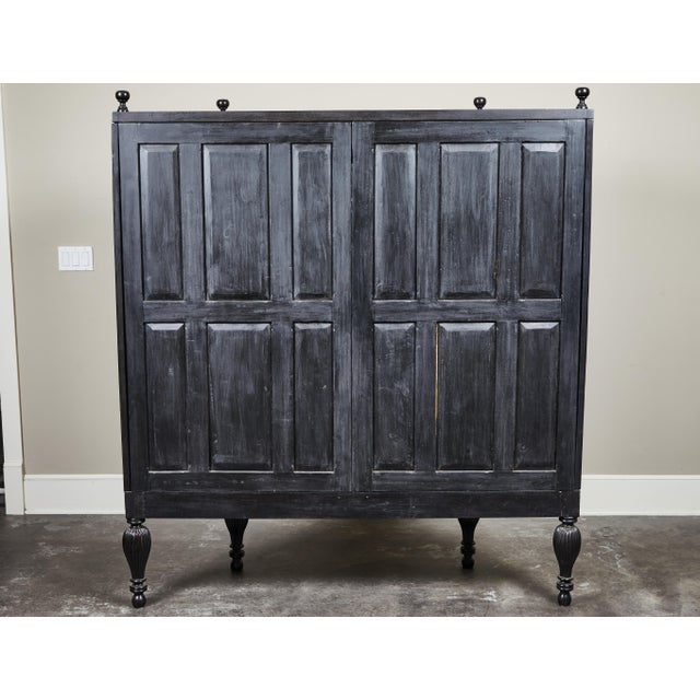 Early 20th Century 20th C. Ebony British Colonial 2-Door Display Cabinet For Sale - Image 5 of 11