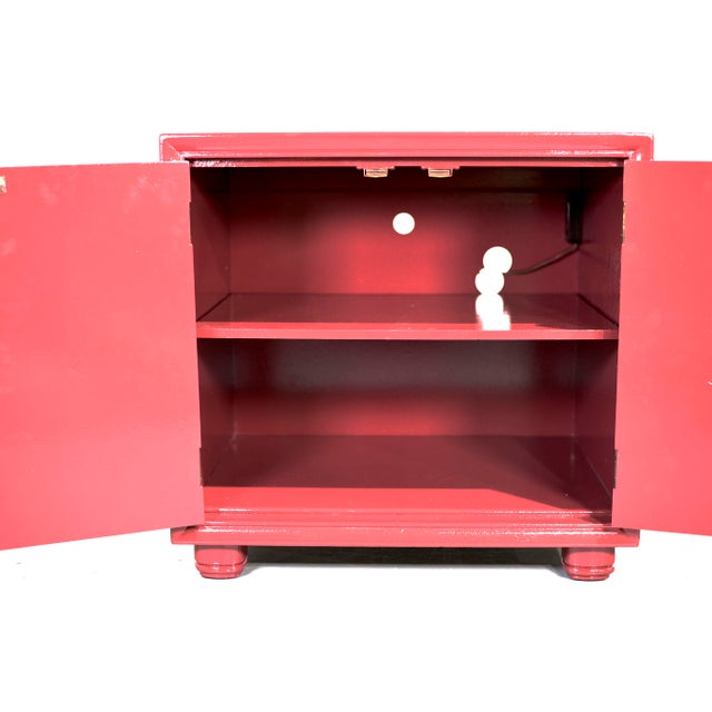 Henredon 1970s Chinoiserie Nightstands With Brass Hardware in Mauve by Henredon - Freshly Painted For Sale - Image 4 of 9