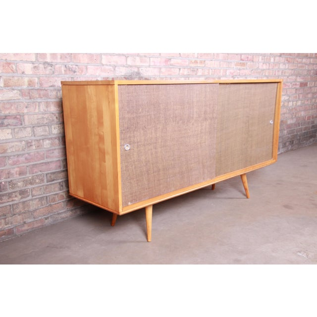 1950s Paul McCobb Planner Group Mid-Century Modern Solid Maple Sideboard Credenza, 1950s For Sale - Image 5 of 13