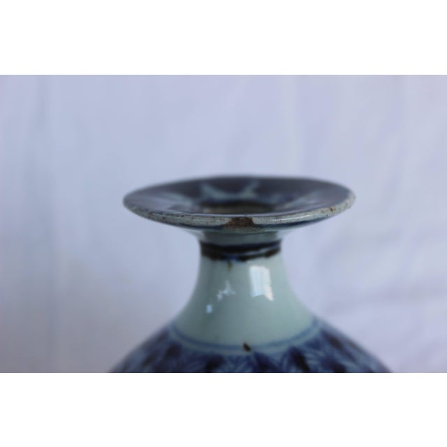Chinese Chinese Blue and White Ceramic Bud Vase For Sale - Image 3 of 8
