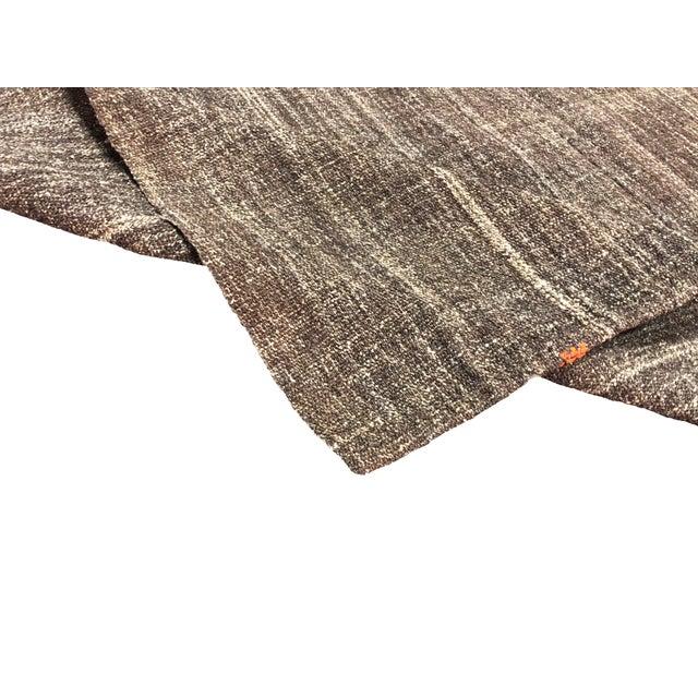 Rug & Kilim Turkish Brown Organic Handwoven Kilim Rug - 4′8″ × 6′11″ For Sale - Image 4 of 7