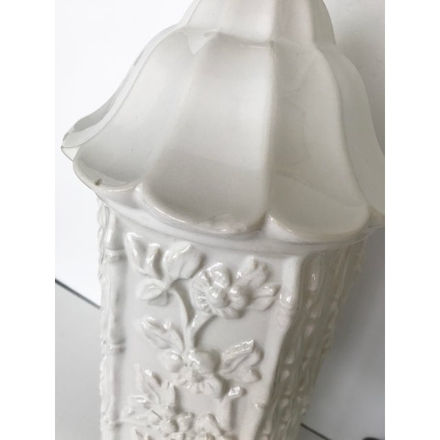 Vintage Chinoiserie Ceramic Pagoda Lamps - A Pair For Sale In Tampa - Image 6 of 10
