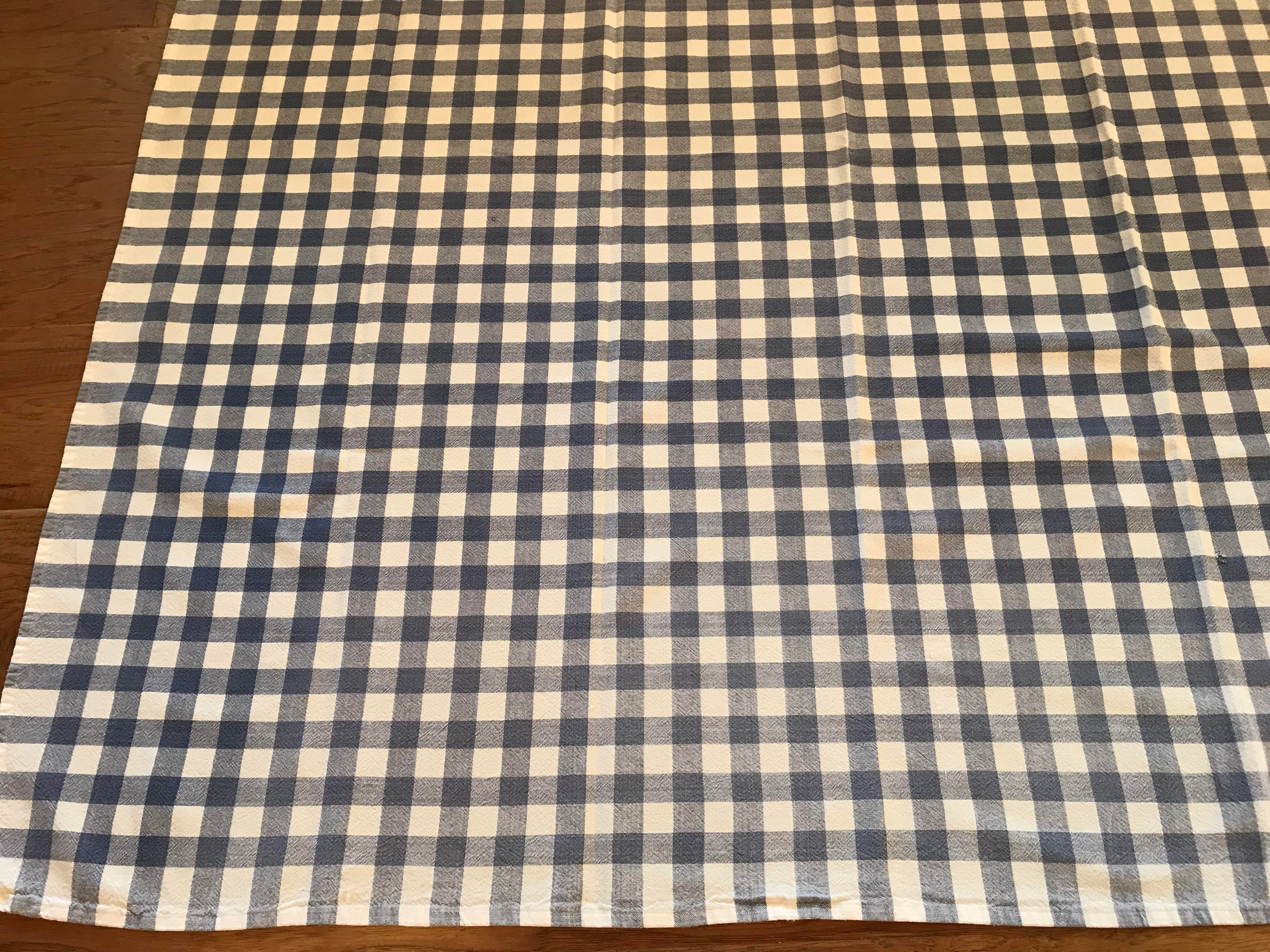 Vintage Blue And White Checked Tablecloth   Image 5 Of 8