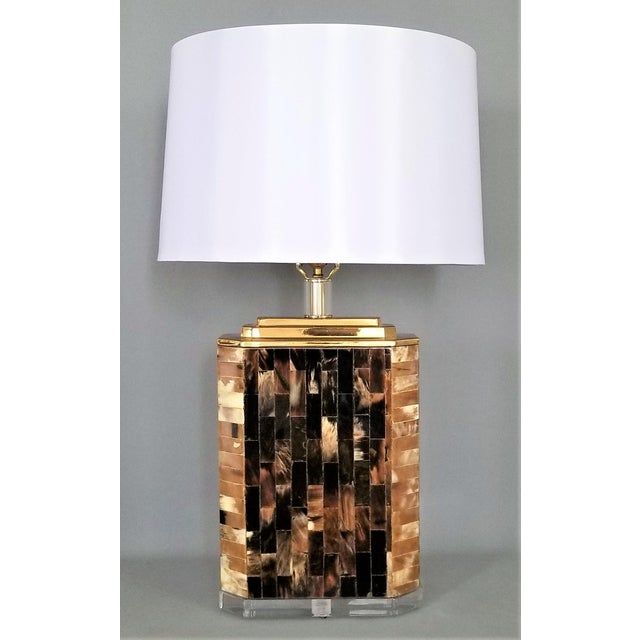 Vintage Tessellated Horn and Lucite Brass Table Lamp For Sale - Image 13 of 13