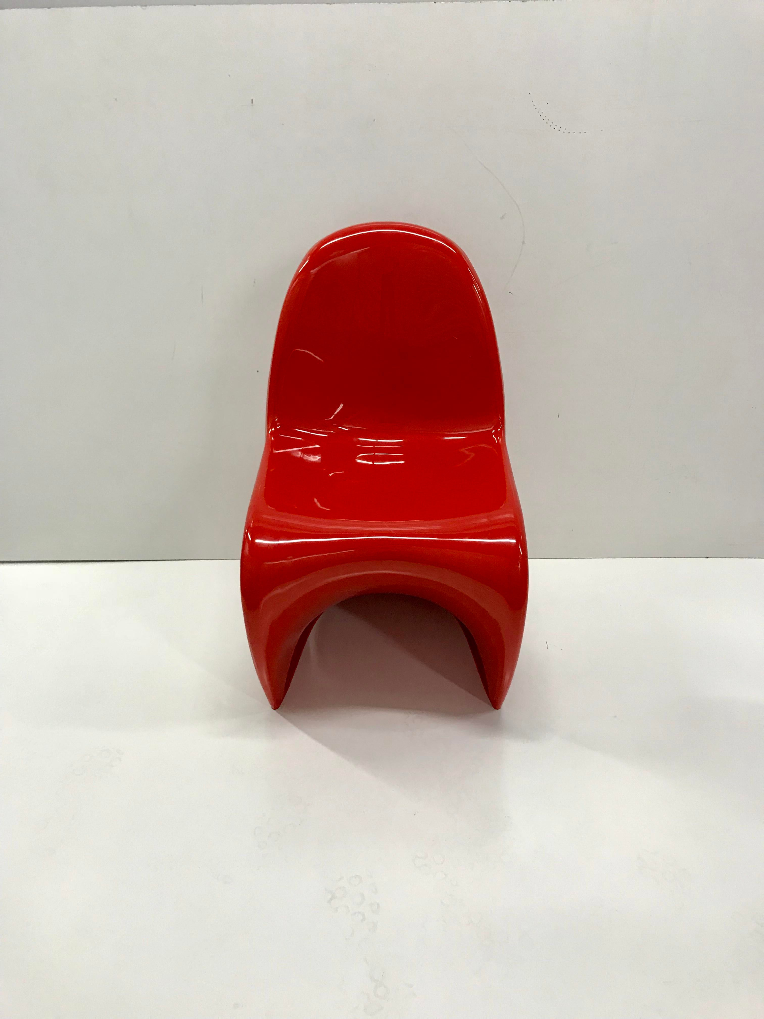 Lipstick Red Molded Plastic Chair In Classic U201cSu201d Style Of Verner Panton  Seat Height