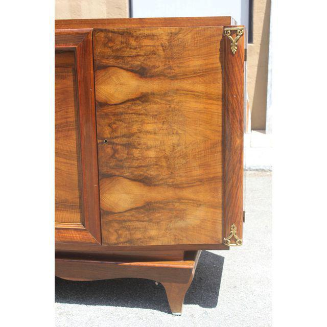 French Art Deco Exotic Walnut Sideboard / Buffet Circa 1940s. For Sale - Image 4 of 10