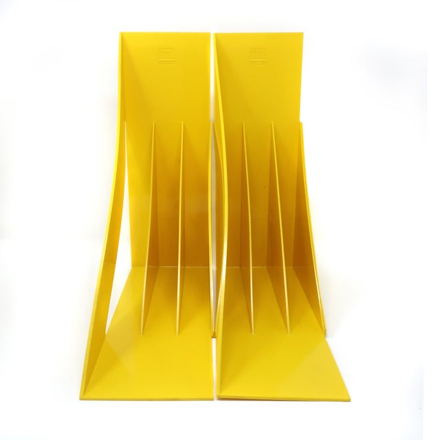 Italian Pair of Yellow Record or Magazine Racks by Giotto Stoppino for Heller For Sale - Image 3 of 7