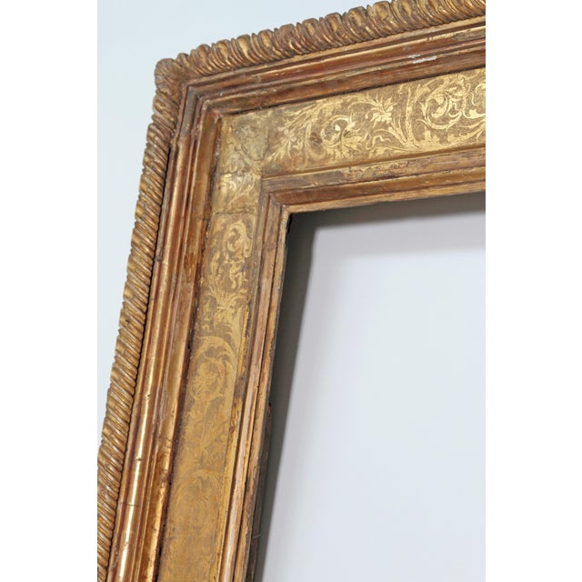 Late 18th Century Monumental Hand-Carved and Gilded Florentine Picture Frame For Sale - Image 5 of 11
