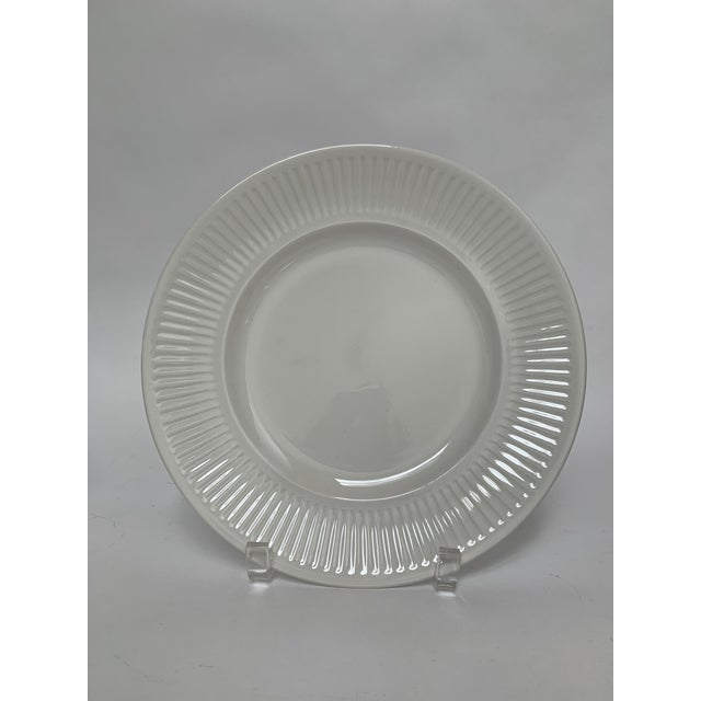 Johnson Brothers Final Markdwon 1960s Johnson Brothers White Ironstone Dinner Plates - Set of 11 For Sale - Image 4 of 12