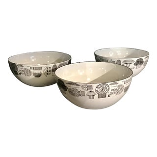 Mid-Century Modern Kaj Franck Finel Finland Enamel Mushroom Bowls - Set of 3 For Sale